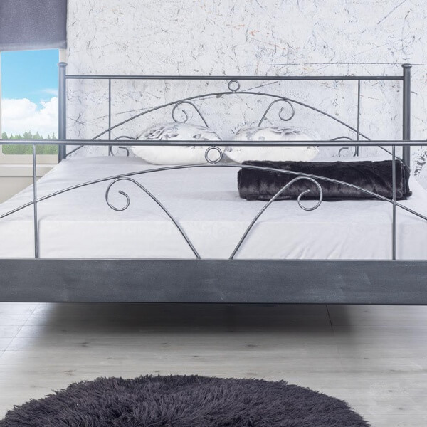 Metalen bed Daisy