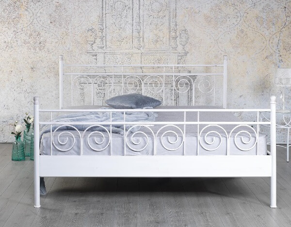 Brocante Metalen Bed.Metalen Bed Sara