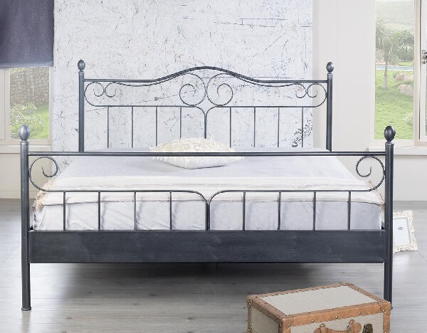 Brocante Metalen Bed.Metalen Bed Verginia