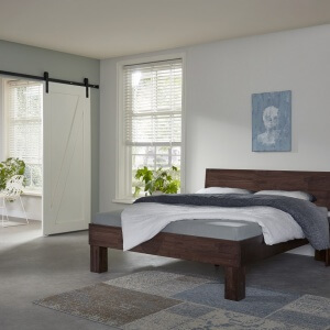 Houten bed Smooth